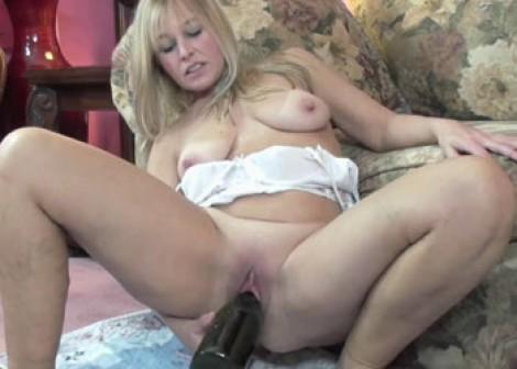 image Lavender fucks liisa with her strapon